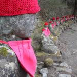 Japonia, Nikko, wąwóz Kanmangafuchi, posągi Jizo