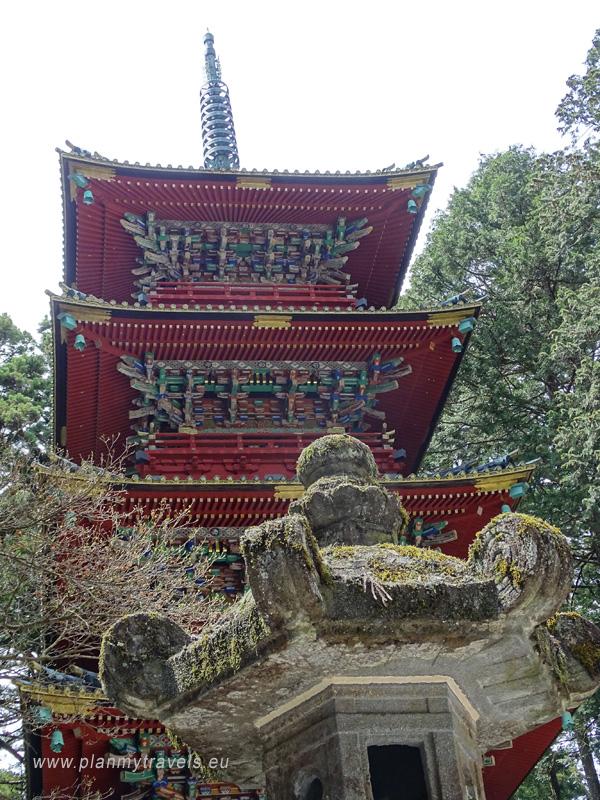 Japonia, Nikko, Nikko - światło słońca, Toshogu Shrine, pagoda