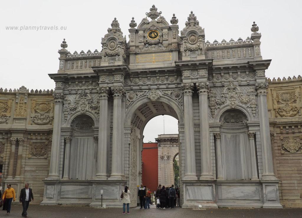 Stambuł, Pałac Dolmabahce - Brama Sułtana, Stambuł Turcja
