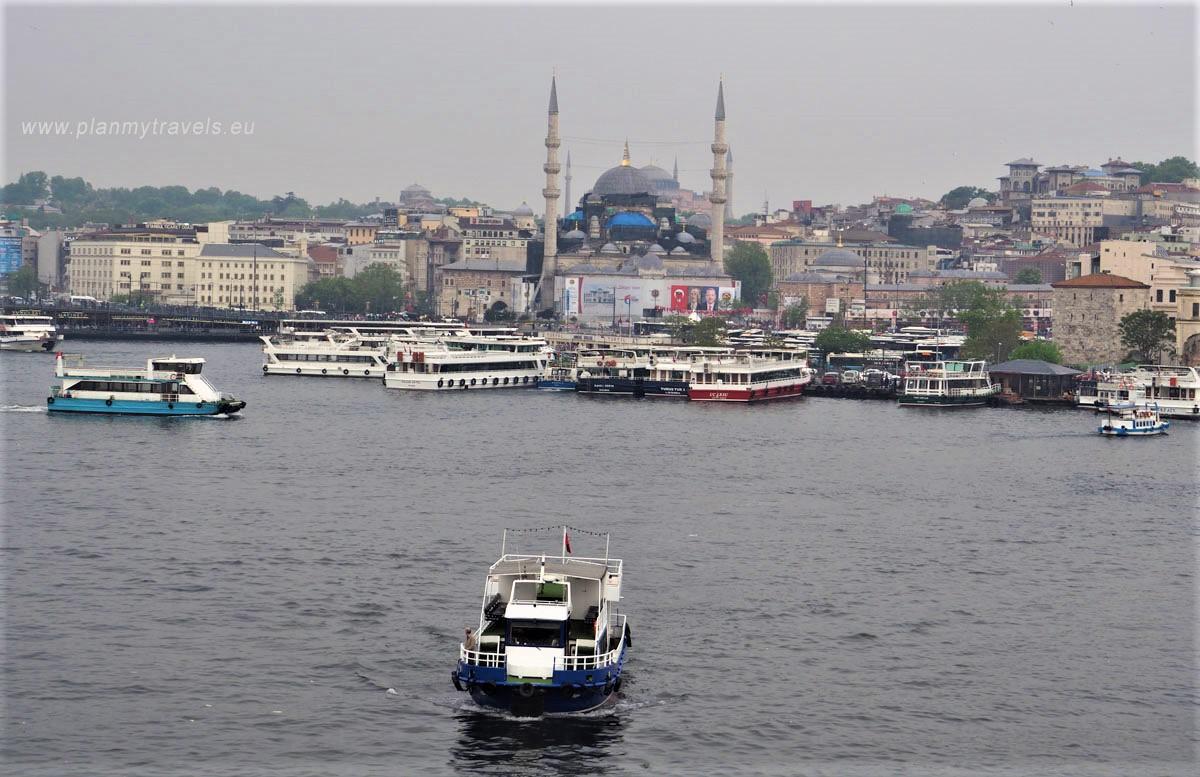 Stambuł , zatoka Złoty Róg, widok z mostu im. Atatürka, Stambuł Turcja