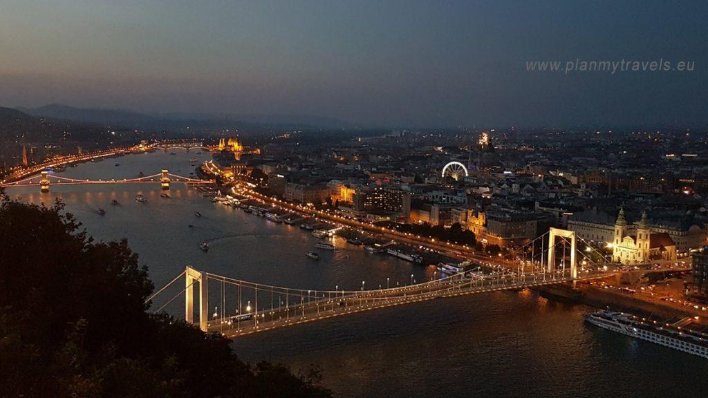 Budapeszt - top 5 atrakcji widok z Góry Gellerta na Dunaj i most łańcuchowy