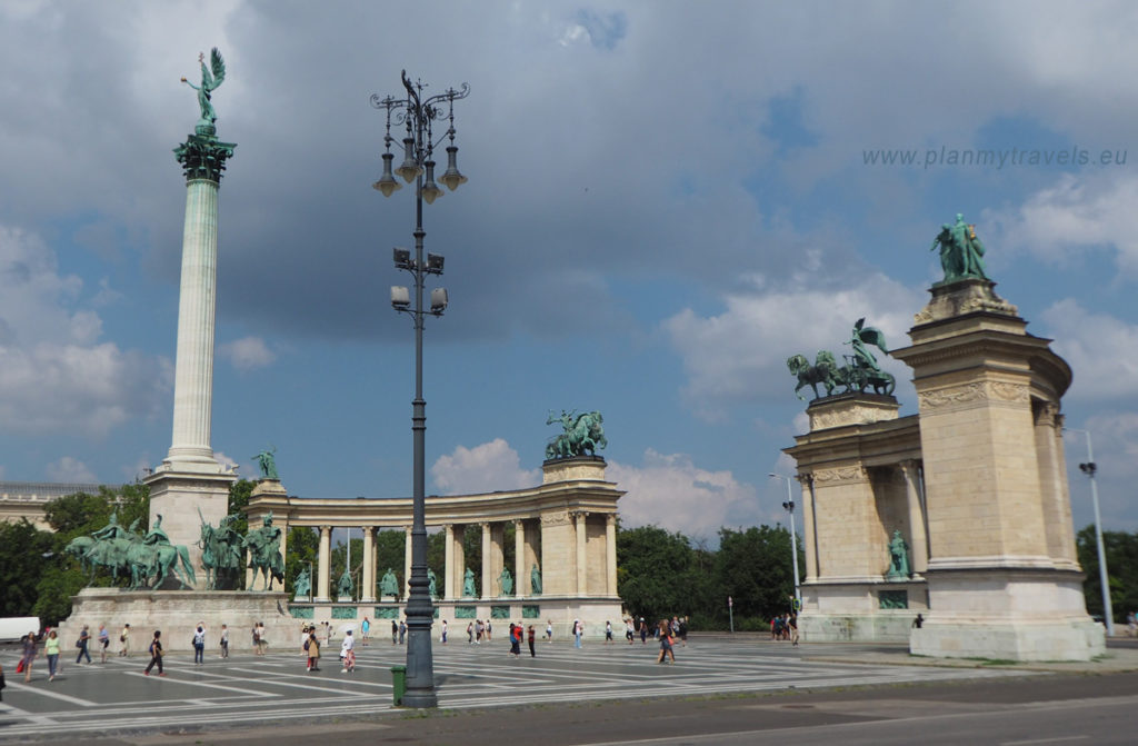 Budapest Heroes Square, sightseeing Hungary