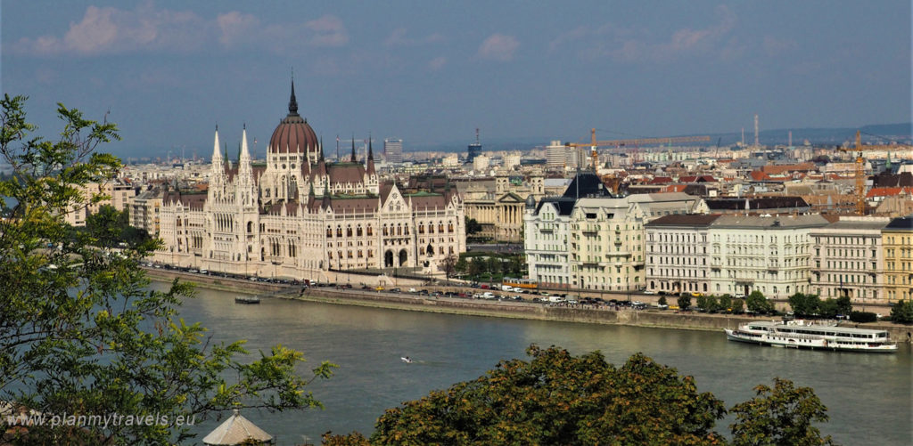 Budapest - TOP 5 attractions, House of Parliament and Danube river