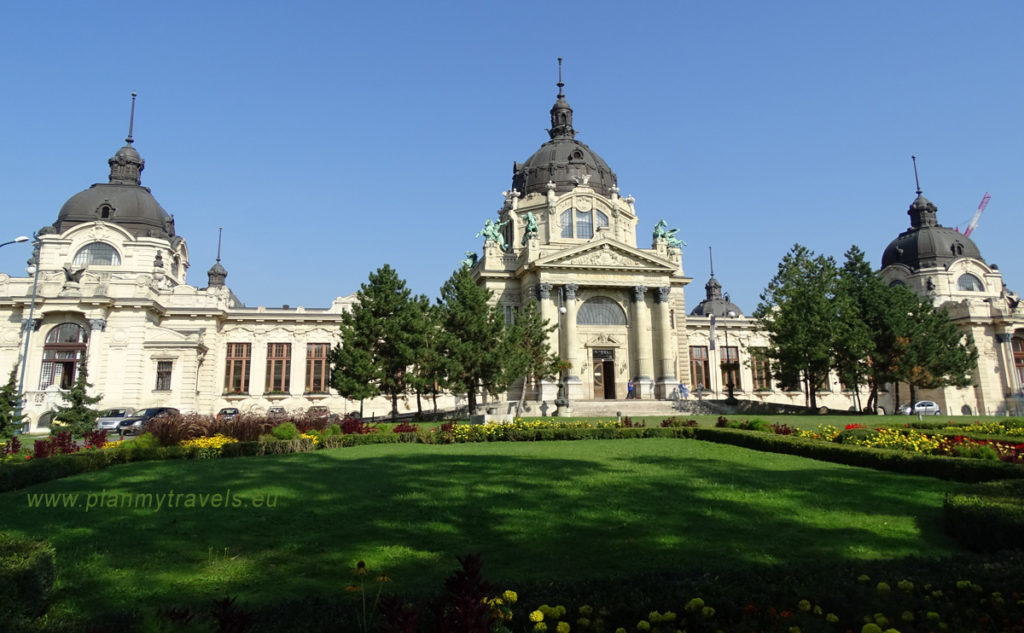 Budapest - TOP 5 atractions, Széchenyi thermal bath in the City Park in Budapest Hungary