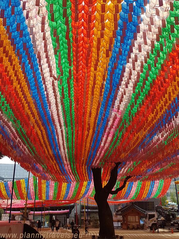 świątynia buddyjska Jogyesa Seul najważniejsze atrakcje, przewodnik, Seul, Korea Południowa, plan podróży, travel