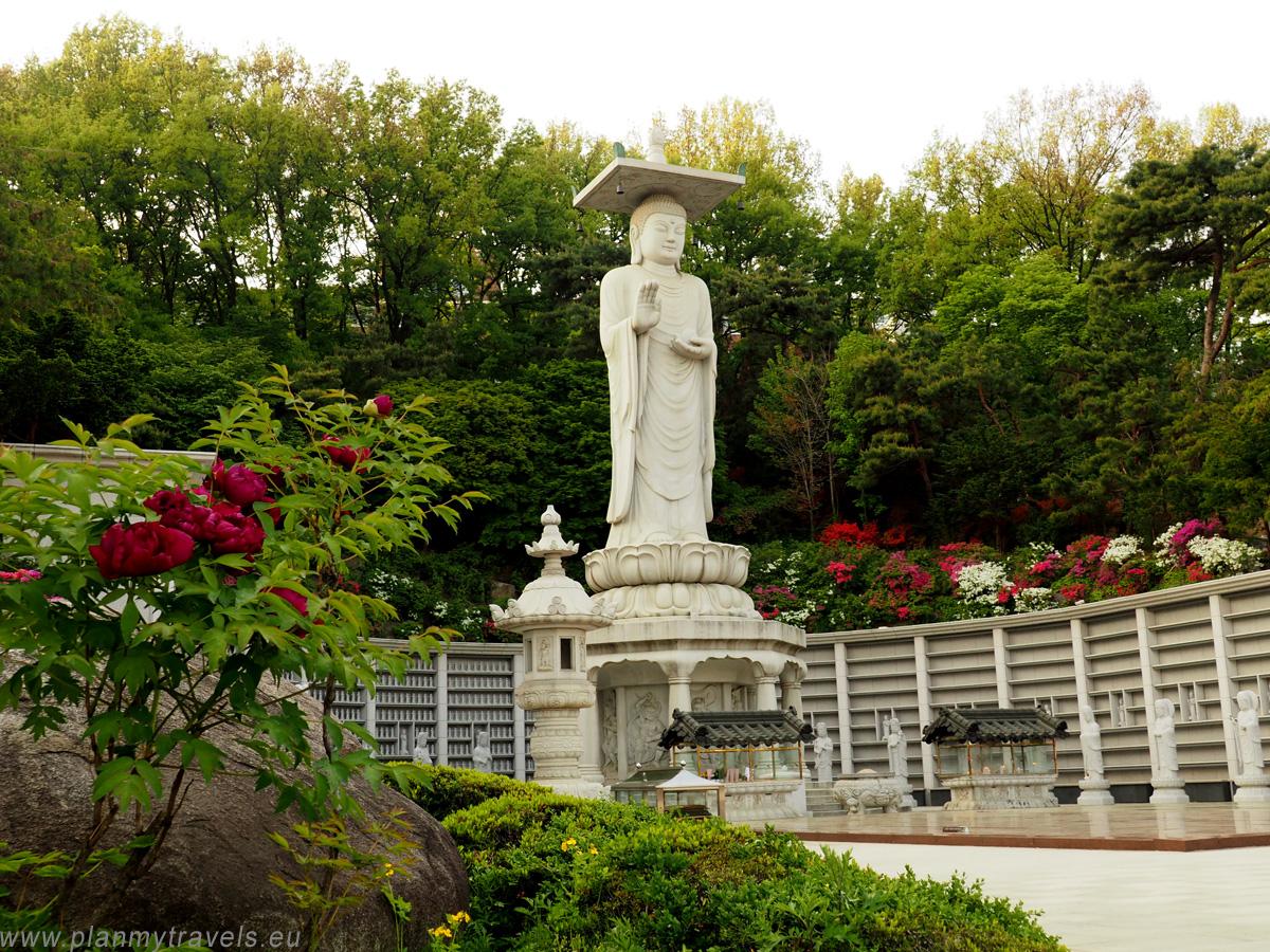 świątynia Bongeunsa pomnik Maitreji Buddy Seul najważniejsze atrakcje, przewodnik, Seul, Korea Południowa, plan podróży, travel