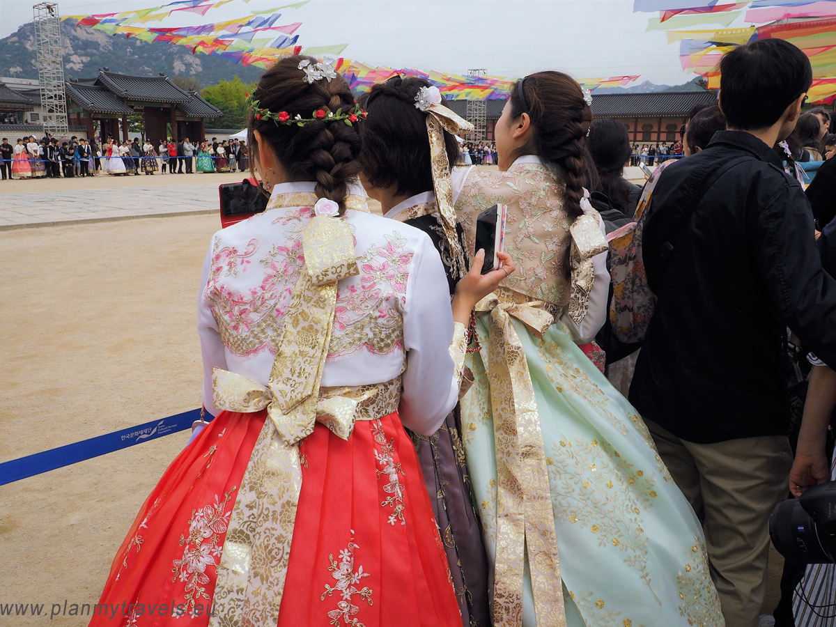 Seoul – the most important tourist attractions Gyeongbokgung Palace, South Korea, Hanbok, travel plan, must-see places
