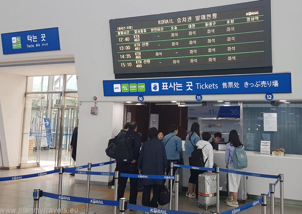 Korea Południowa, Seul, stacja Seoul wymiana voucheru na bilet kolejowy
