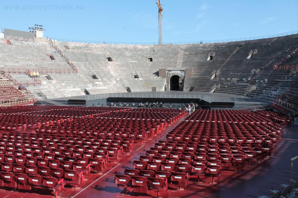 Włochy, Werona, Arena, Rzymski Amfiteatr. zwiedzanie Werony, wycieczka po Weronie, miejsca warte odwiedzenia w Weronie, przewodnik po Weronie