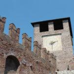 Castelvecchio i mury obronne miasta w Weronie, Włochy