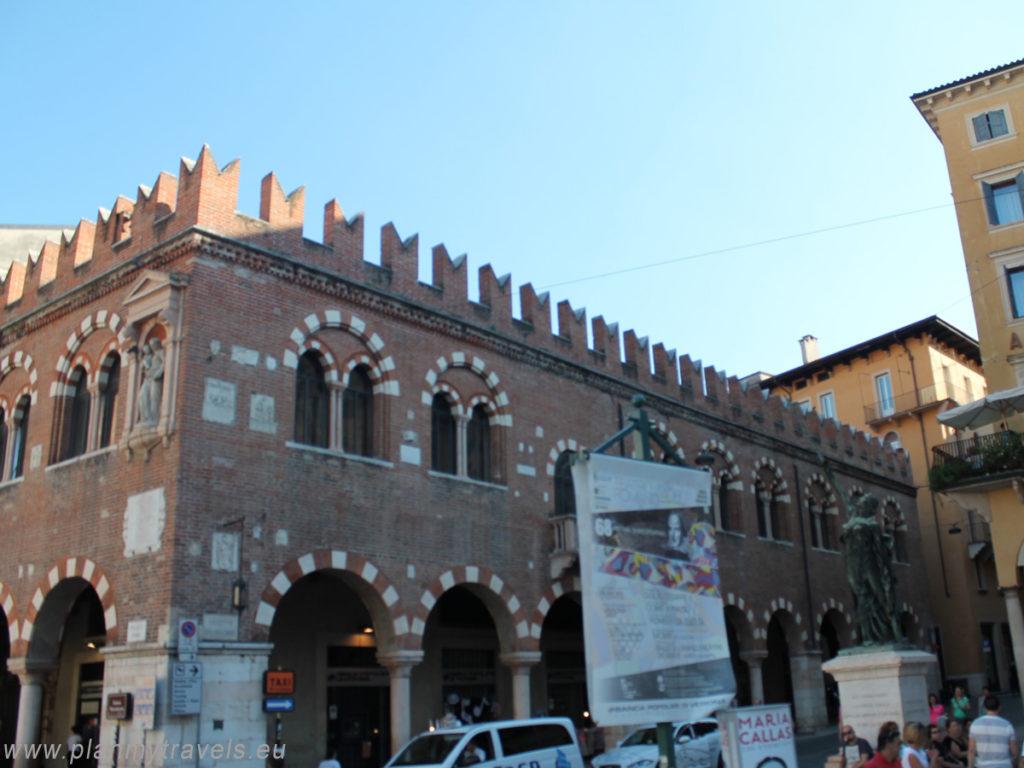 Włochy, Werona, Werona, Plac Erbe, Domus Mercatorum