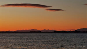 Iceland - tailor-made travel plan, PlanMyTravels.eu, Borgarnes sunset view