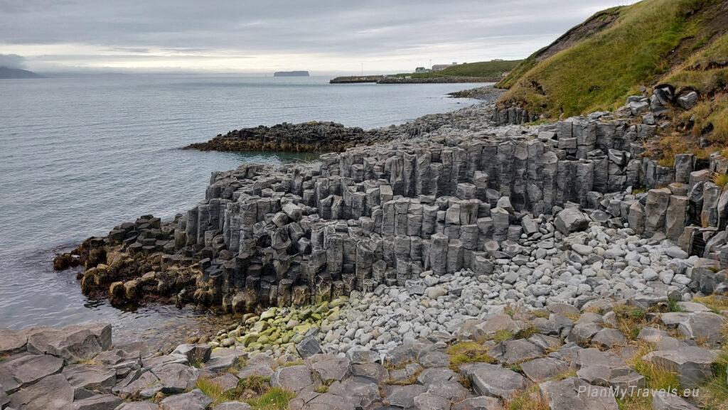 Islandia, bazaltowe klify w Hofsos