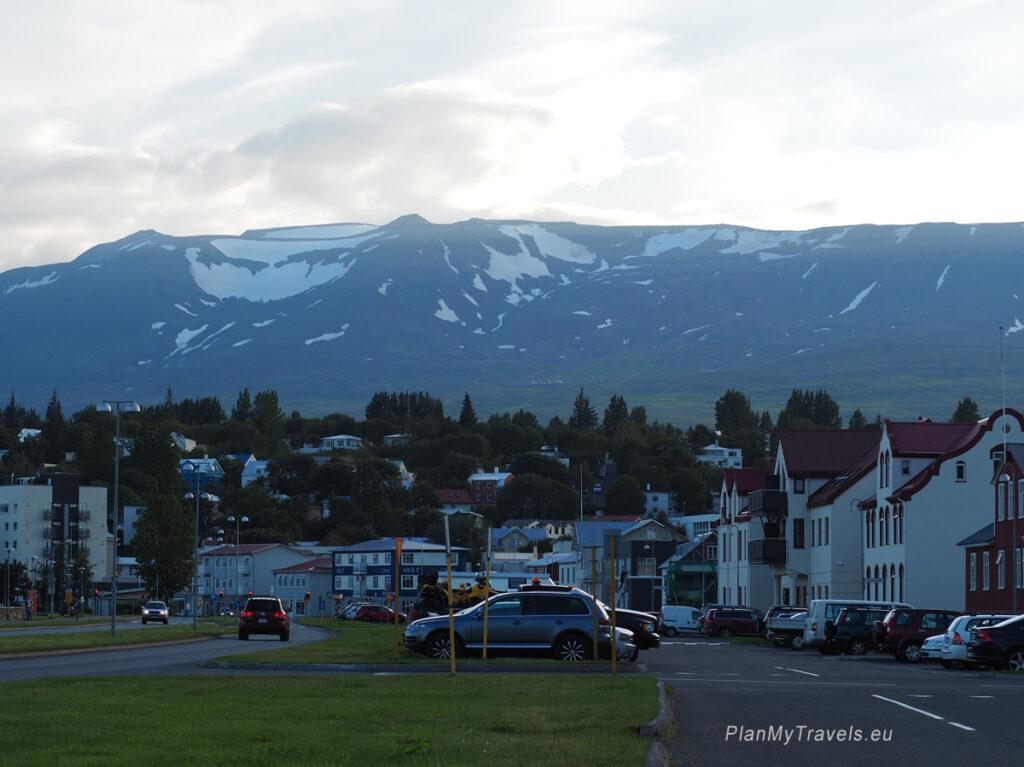 Akureyri Islandia Północna, granitowe góry w Akureyri