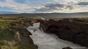 Islandia Północna, Godafoss, Kozi Wodospad